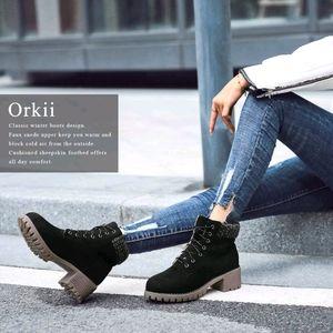 NWOT Women's Black Waterproof Lace-Up Boots Size 9